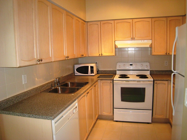 219 Fort York 2512 Toronto Kitchen