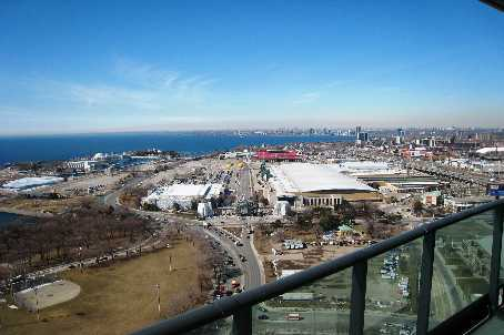 215 Fort York PH 3704 View of CNE